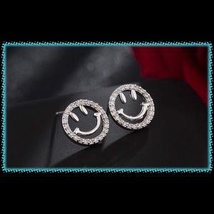 Jewelry - Final Price:  Smilie Face Emoji Earrings